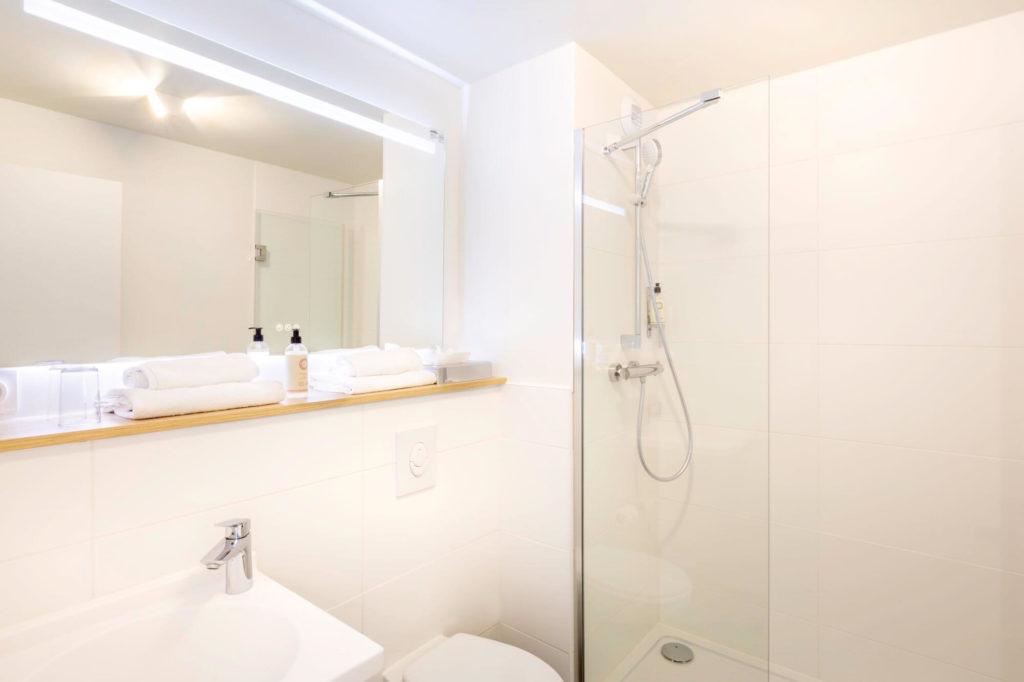 Salle d'eau de la chambre Chambre confort Twin