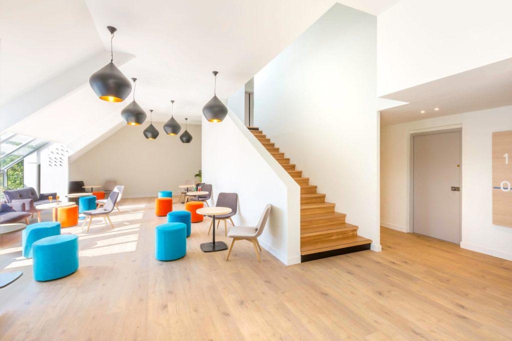 L'espace Lounge de l'hôtel de Dinan Taden