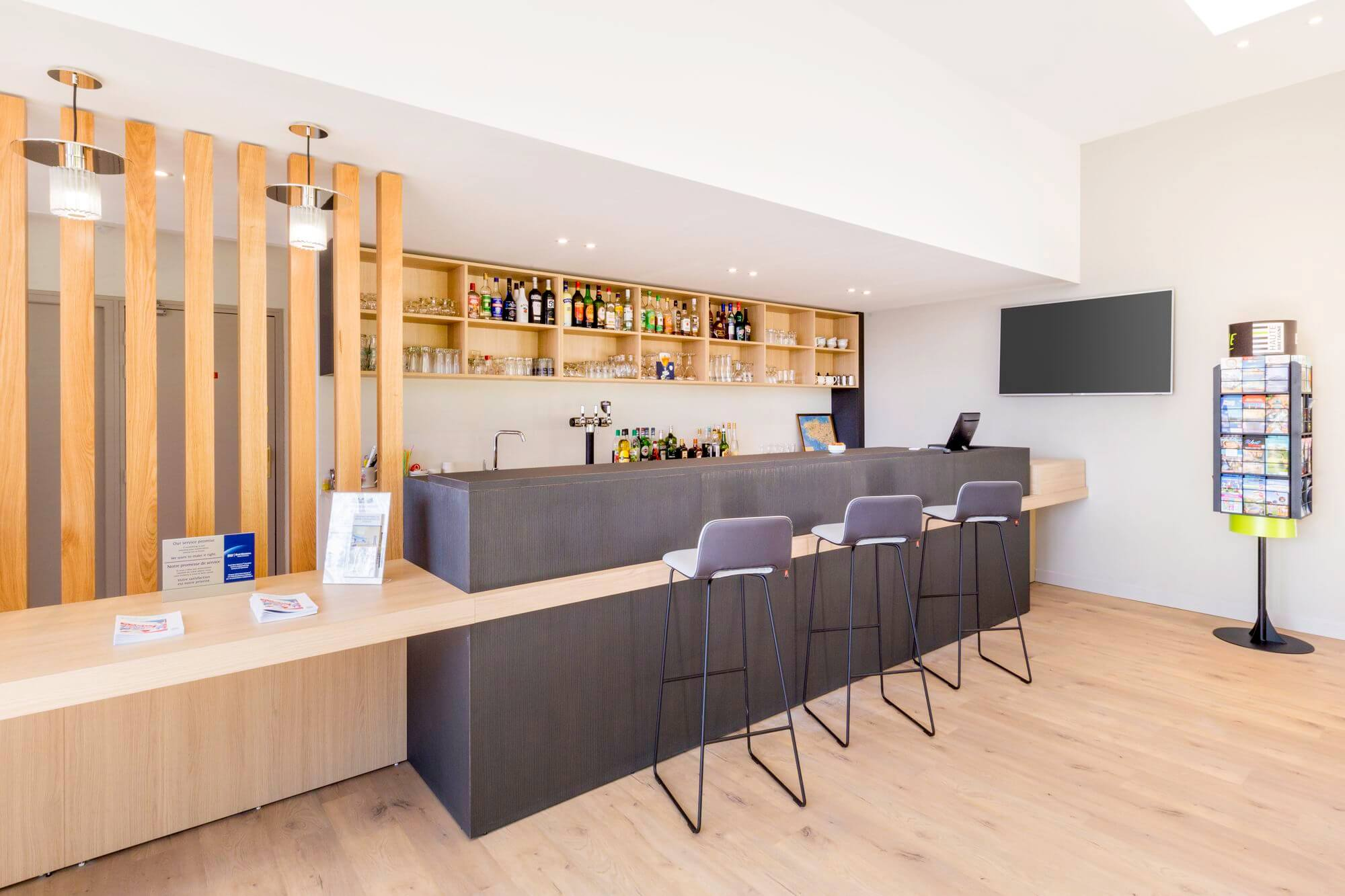 Le Bar et la réception de l'Hôtel