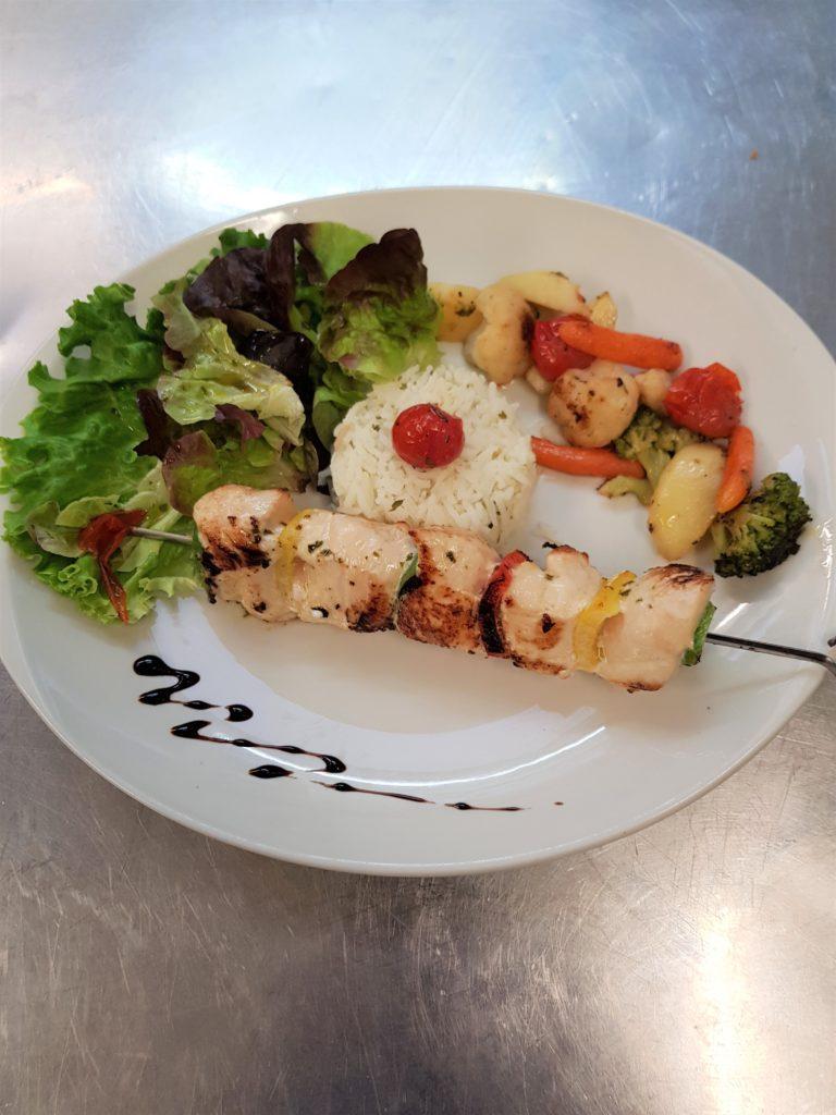 Photo du plat brochette de poulet mariné aux agrumes